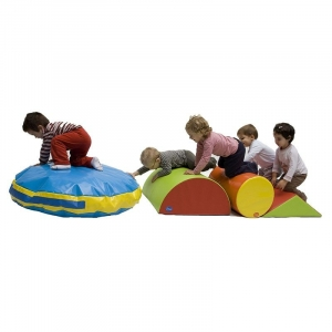 SOFT PLAY SET. 4 pieces. Dimensions: 255 x 60 x 30cm. Designed to enhance the development of psychomotor skills by stimulating movement and play.